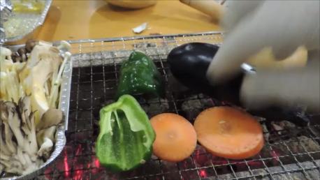 野菜も焼く